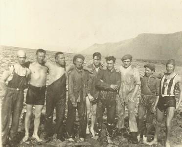 Þerneyjarsund 1931, meðal sundfólks er Benedikt G. Waage.