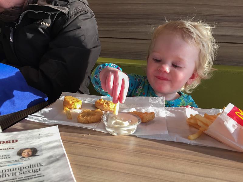 Agnes på McDonalds.
