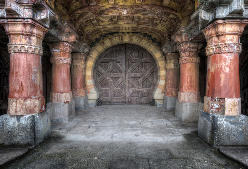 The Gates of Mordor - Even the door to this castle is epic