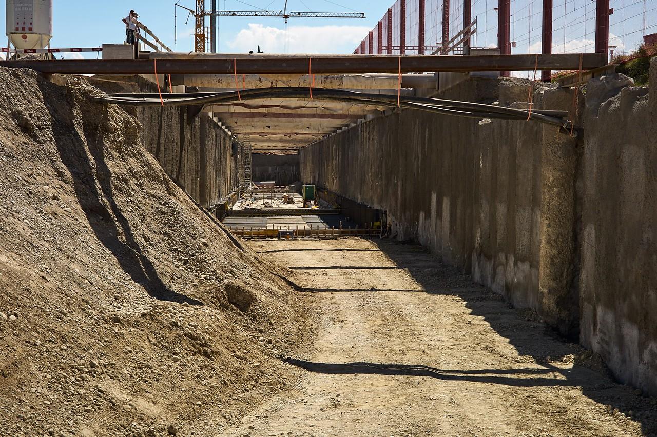 Der Tunnel Bahnhof Bütschwil befindet sich noch im Rohbau. Die Trasse zum Tunnel soll jedoch bis Ende 2016 fertiggestellt sein.