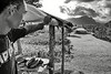 "Un paysan des environs de ""Le Mafa Pass"" regardant  sa terre. Ile d'Upolu/Archipel des Samoa"