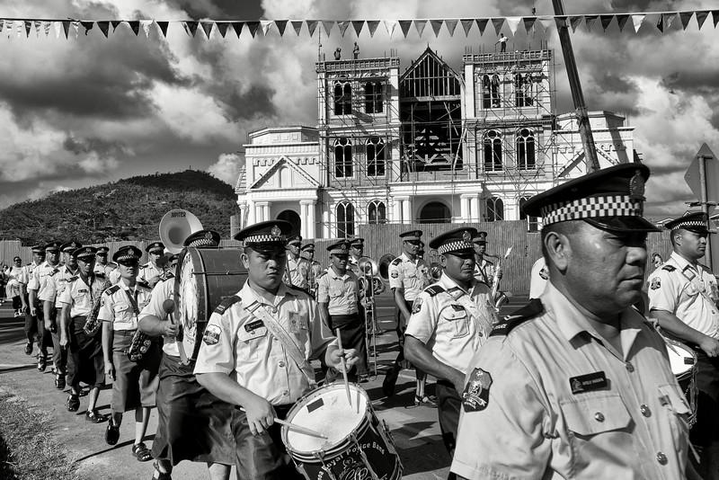Défilé de la police dans le centre-ville d'Apia. Ile d'Upolu/Archipel des Samoa/