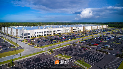 2017 Amazon JAX2 Employee Welcome 028A - Deremer Studios LLC