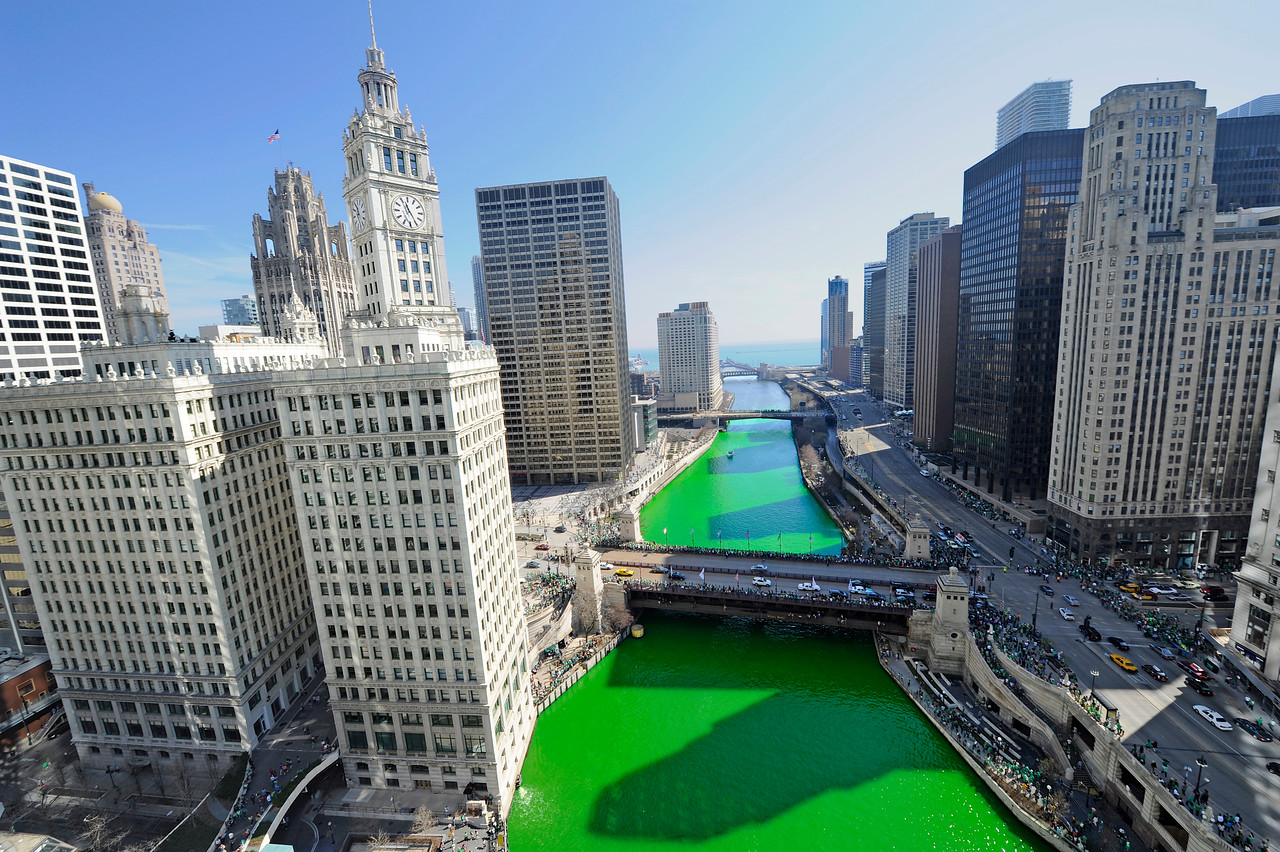"""Turnin' The River Green"" - St. Patty's Day in Chicago 2012V3"