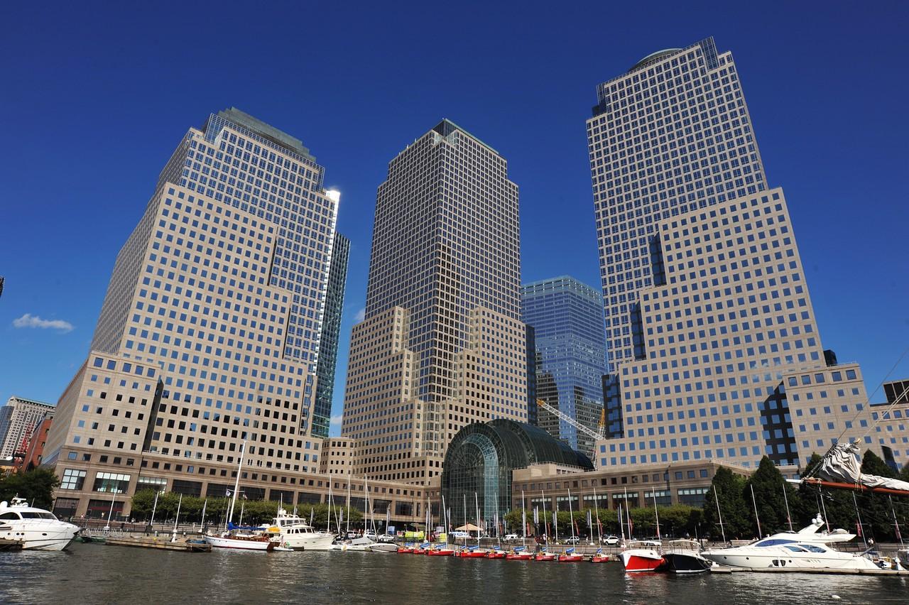 WORLD  FINANCIAL  CENTER      /  Manhattan  Sailing  School