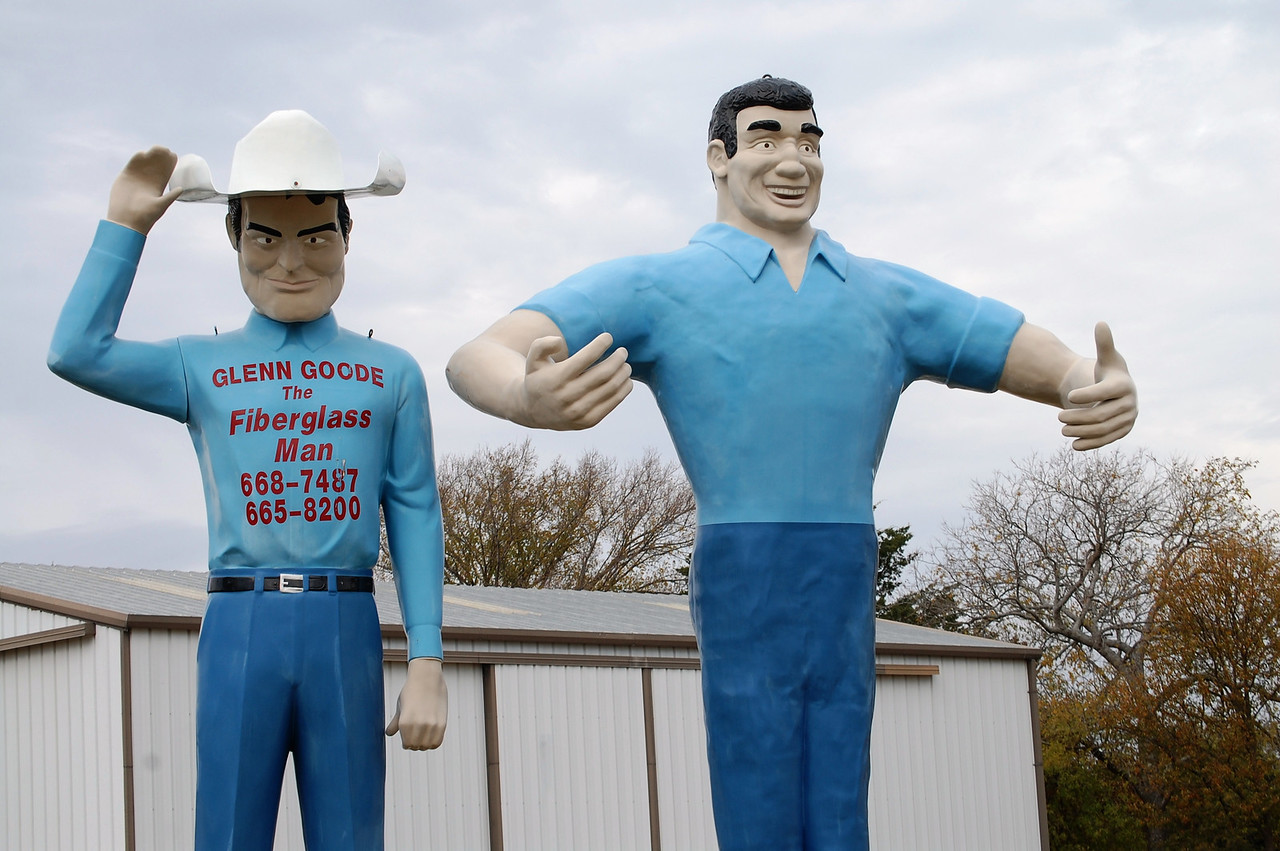 Glenn Goodes Big People near Gainesville, Texas