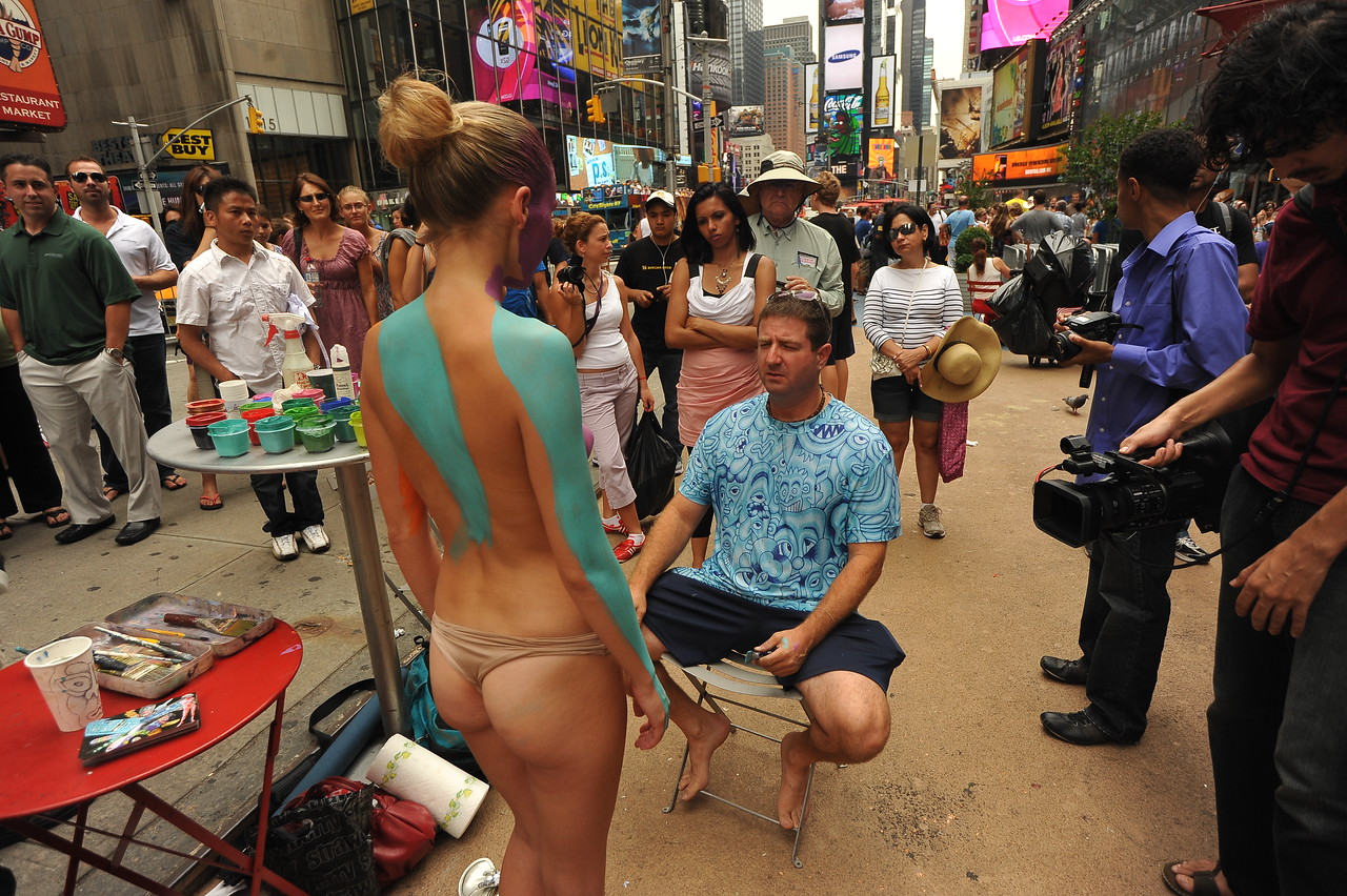 Public body art  BODY PAINTING IN TIMES SQUARE / Body Art ...