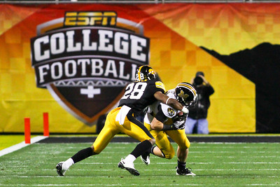 NCAA FOOTBALL 2010: December 28, 2010, Insight Bowl, Iowa vs Missouri