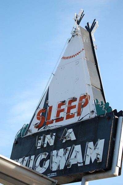 Sleep in a Wigwam neon sign in Cave City, Kentucky