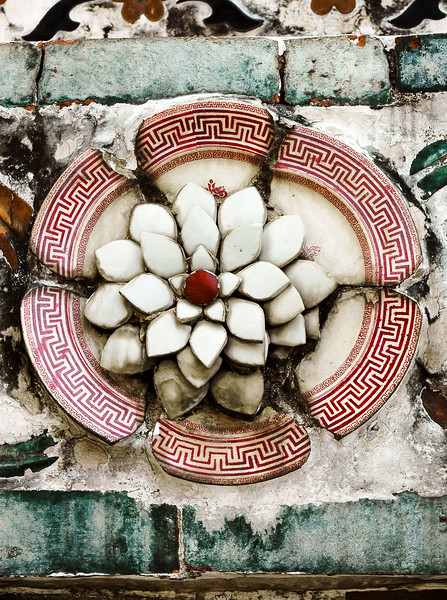 Ceramic Detail at Buddhist Temple<br /> Wat Arun Ratchawararam Ratchawaramahawihan <br /> Bangkok Yai District, Bangkok
