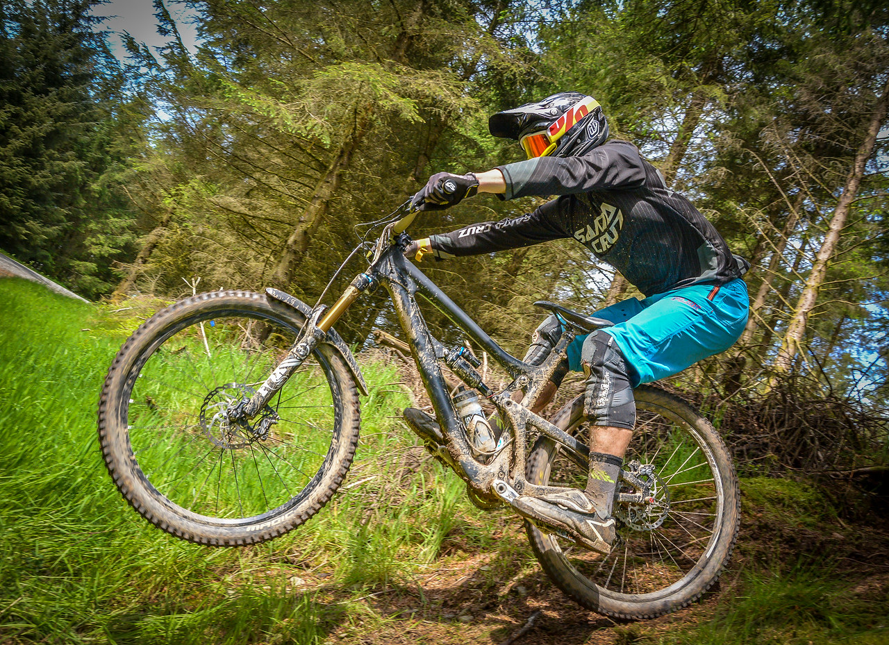 Luther Griffiths Mondraker Welsh Enduro Champs plus Round 3 8457 Copyright 2015 Dan Wyre Photography, all rights reserved This Image can be Purchased from www.danwyrephotography.co.uk