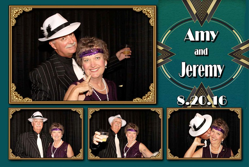 "Rustic, vintage or just fun photo booth rentals in Kansas City. For weddings, schools, corporate events and parties.<br /> <a href=""https://thelookingglassphotobooths.com/"">https://thelookingglassphotobooths.com/</a>"