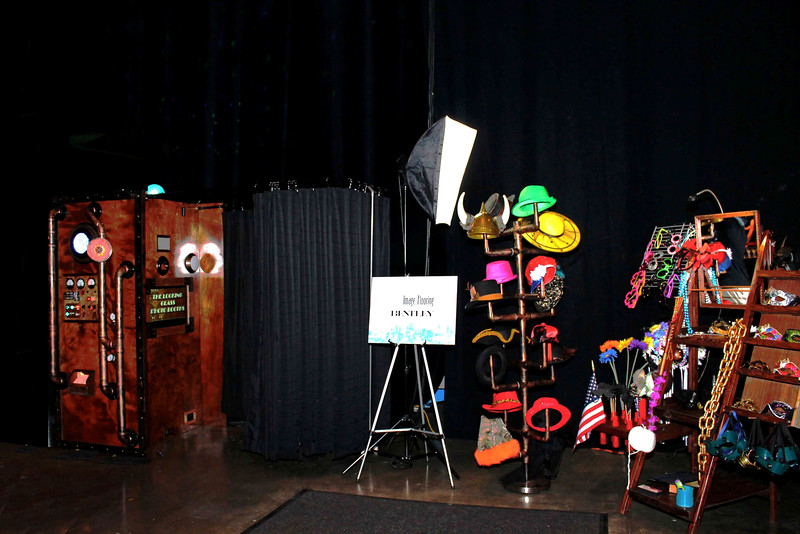 The Looking Glass Photo Booths Starlight Theater