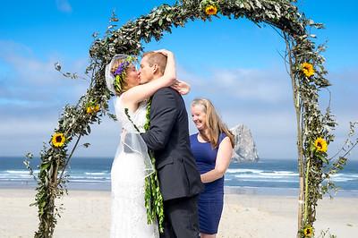 208-Lindsy-Andy-Wedding-BrokenBanjo