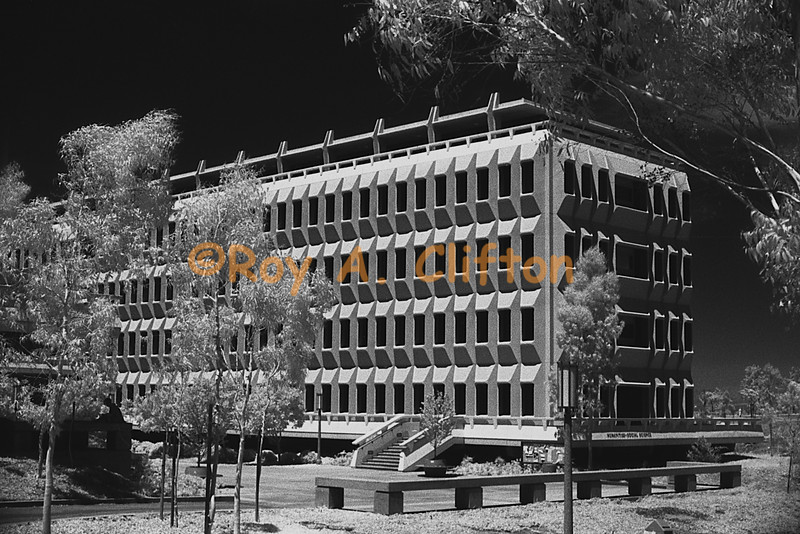 (3B025-6) UC Irvine building in B&W infrared