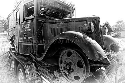 Dodge truck854 bw