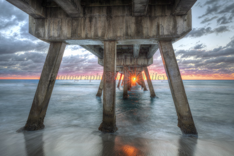 Sunrise under the pier 8374
