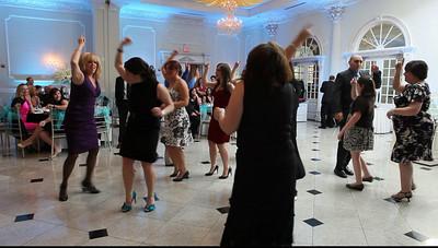 Dancing Momette