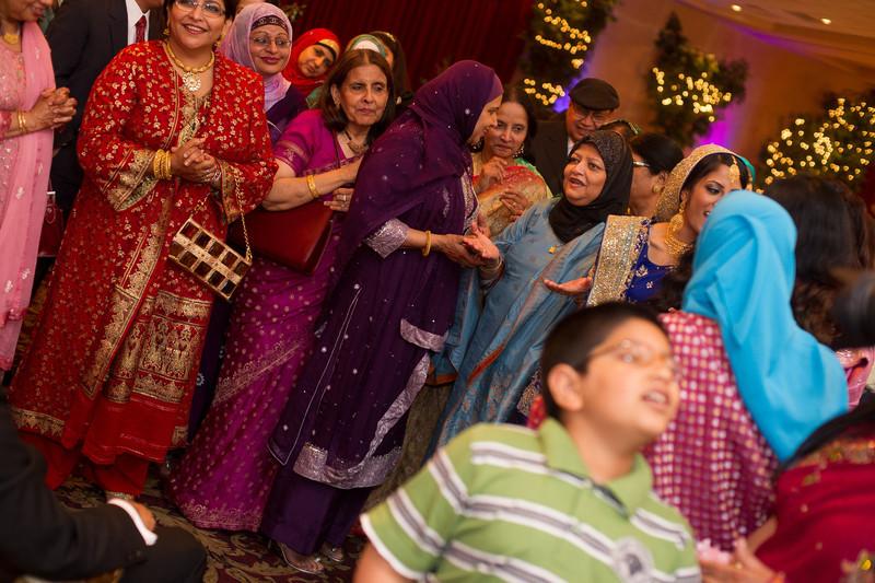 bap_haque-wedding_20110704001739-_BA18503