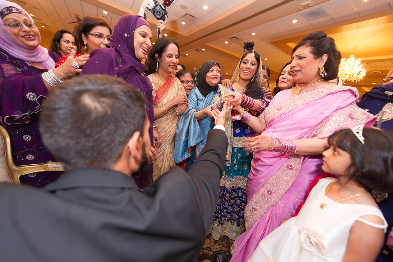 bap_haque-wedding_20110704002041-_BA18539