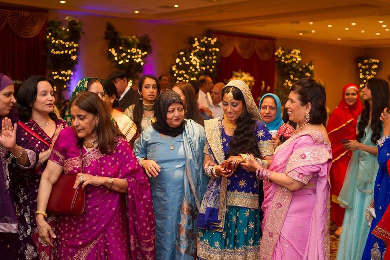 bap_haque-wedding_20110704001538-_BA18483