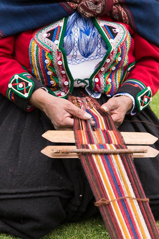 The mechanics of hand weaving