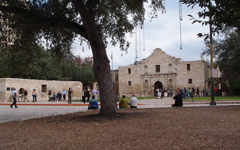 Alamo Plaza & The Alamo