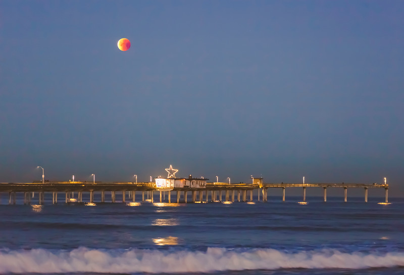 January 2018 Blue Moon Lunar Eclipse over the Ocean Beach Pier