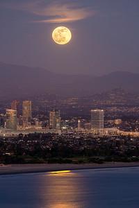 Full Moon Rises Over San Diego