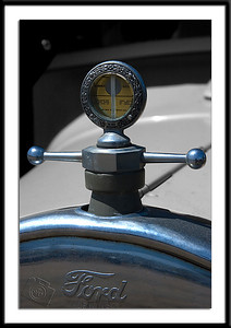 Hood Ornament/Temperature Guage on 1926 Ford Model A