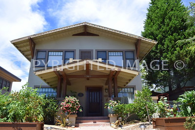 1760 Lewis Street, San Diego Mission Hills - 1912 Nathan Rigdon and Morris Irvin Spec House - Craftsman Style