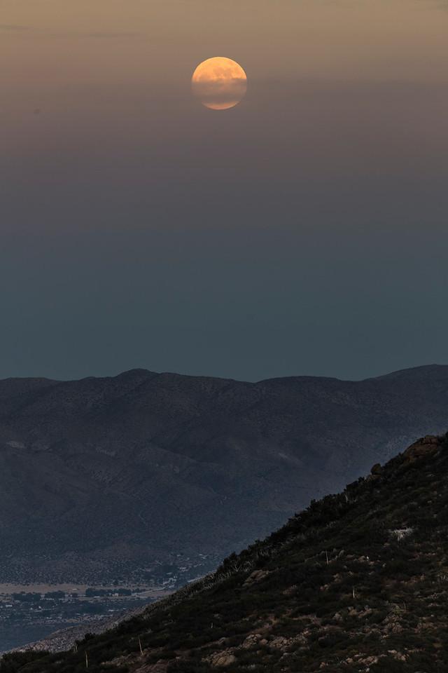 December 2017 Supermoon From Desert View Park