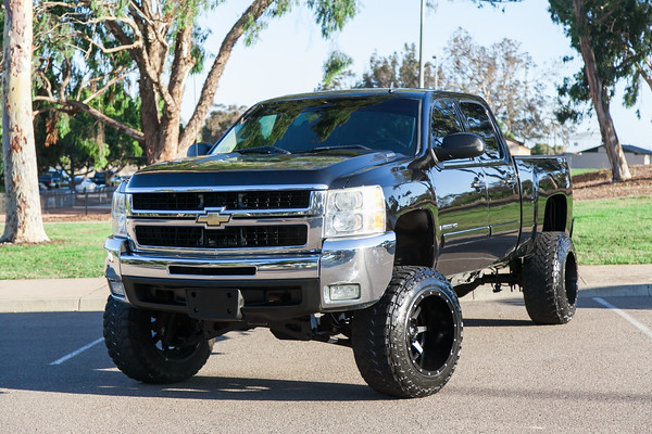 azarauto.com For Sale - 2008 Chevrolet Silverado 2500 HD with King Off - Road Racing Shock