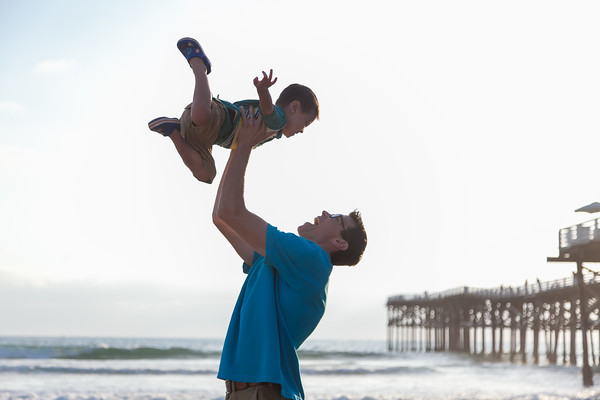 Family Photos at Crystal Pier Pacific Beach by AlohaBug Photography