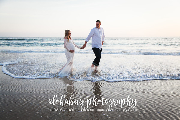 Maternity Photos at Crystal Pier by AlohaBug Photography