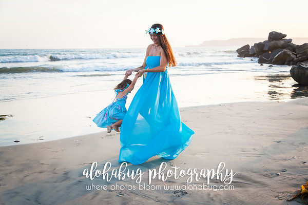Maternity / Mother-Daughter Family Photos by AlohaBug Photography