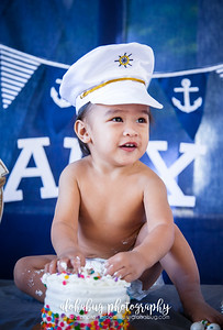 One Year Old Birthday Cake Smash by AlohaBug Photography