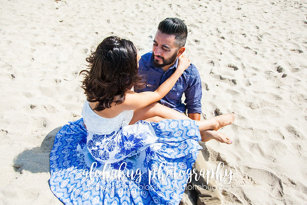 Engagement Photos at Venice Pier, Venice Canals in Los Angeles by AlohaBug Photography