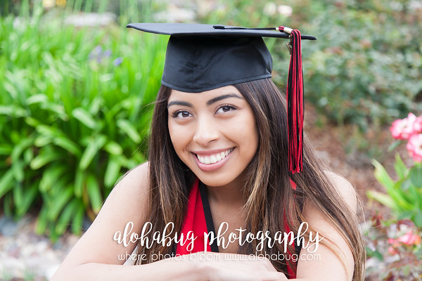 Graduation Photos at Scripps Pier La Jolla by AlohaBug PhotographySDSU Graduation Photos at Scripps Pier La Jolla by AlohaBug Photography