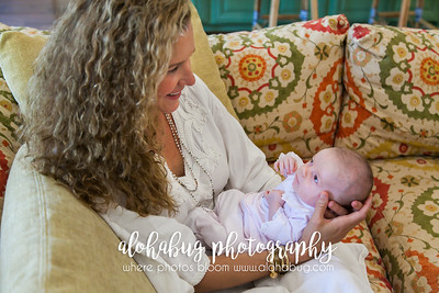 Lifestyle Newborn Family Photos by AlohaBug Photography