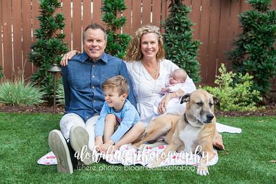 Lifestyle Newborn Family Photos by AlohaBug Photography
