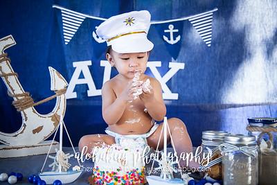 One Year Old Birthday Cake Smash by AlohaBug Photography