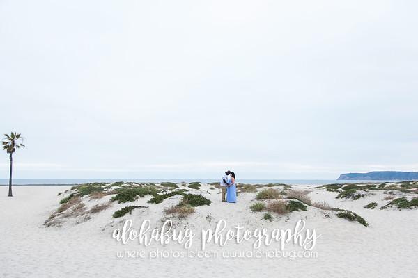 Maternity Photos at Hotel Del Coronado Beach by AlohaBug Photography