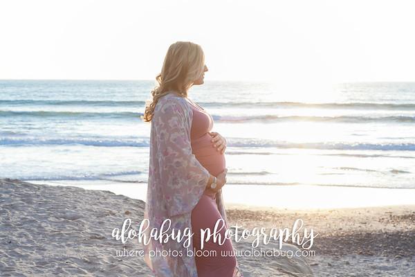Maternity Photos at Moonlight Beach by AlohaBug Photography