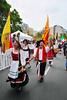 Procession 2011 Long Shot Vert