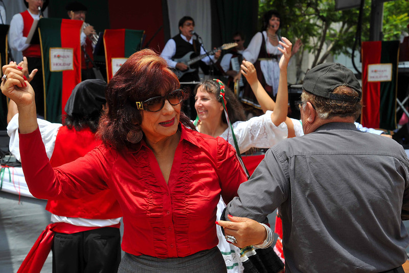 Lady in Red, Dancing