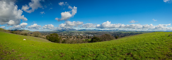 Panorama. Rare SF Bay Area Snow. San Ramon & Mt. Diablo (left). Redtail Hawk Trail. Bishop Ranch Regional Preserve - San Ramon, CA, USA