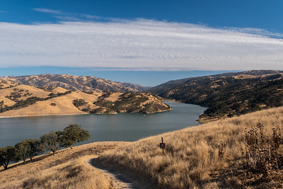 Lake Del Valle. East Shore Trail. Del Valle Regional Park - Livermore, CA, USA