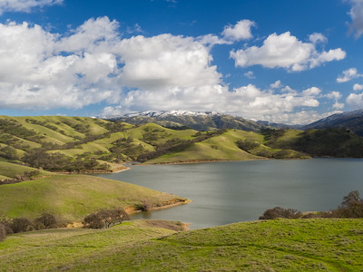 Rare SF Bay Area Snow. Lake Del Valle. East Shore Trail. Del Valle Regional Park - Livermore, CA, USA
