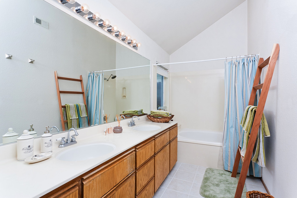 """""""I have been working with Sammy's on all of my listings and his photos are very elegant and make the house very expensive. The result? Multiple offers with higher price than the listing prices. I would like to continue using his service and hope we have another multiple offers with great deal. Thanks, Sammy!""""  <br /> <br /> -Amy Insook Lee, Amy Lee Realty"""